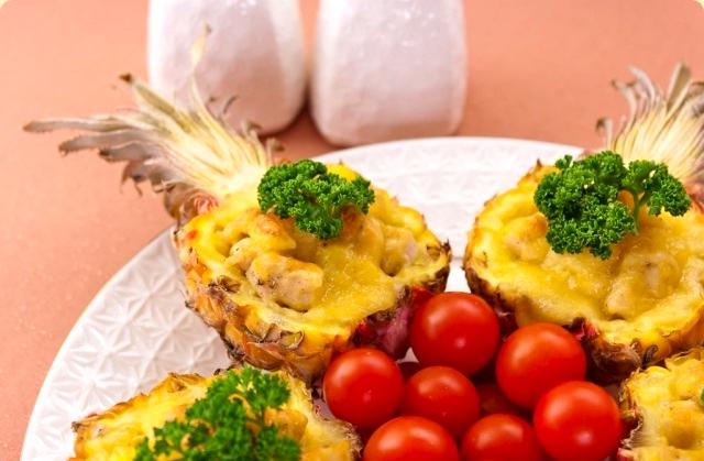 Куриный фарш с ананасами в духовке рецепт